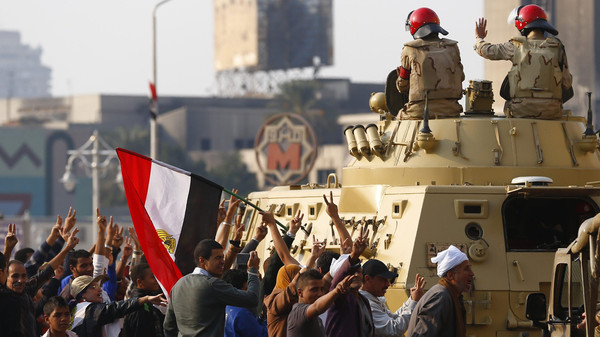 Egyptian group challenges norm, calls for female military service