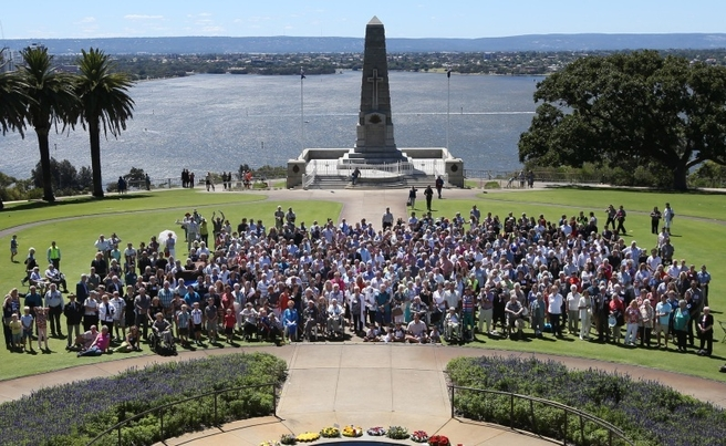 Relatives recreate ANZAC photo